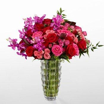 Heart's Wishes Luxury Bouquet by Interflora