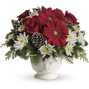 Teleflora's Simply Merry Centerpiece