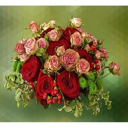 Bouquet of Roses and Berries
