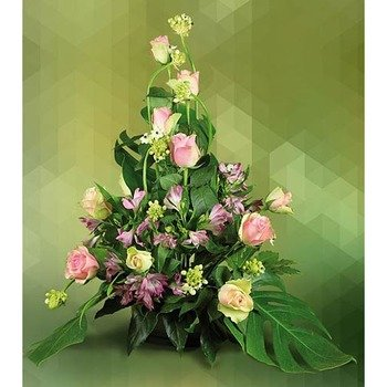 Arrangement of Roses and Astromeria