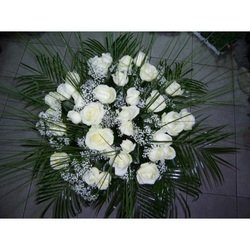 Bouquet of 25 Long Stemmed White Roses (Vase Not Included)
