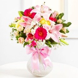 Surprise Bouquet in Pink colours (Vase Not Included)