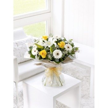 Yellow and white hand-tied (Vase not included)