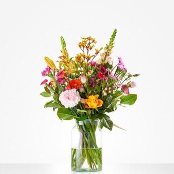 Cheerful picking bouquet