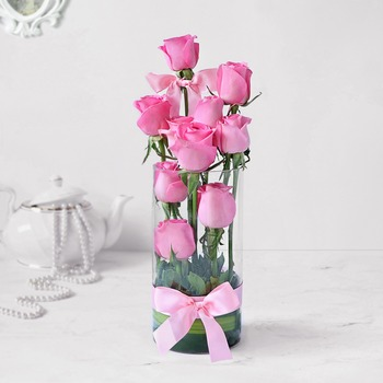 Exotic 10 Pink Roses in Vase Arrangement