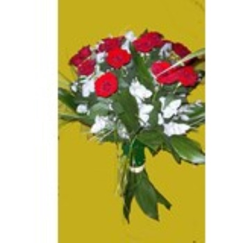 Bouquet of 15 Long Stemmed Red Roses (Vase Not Included)