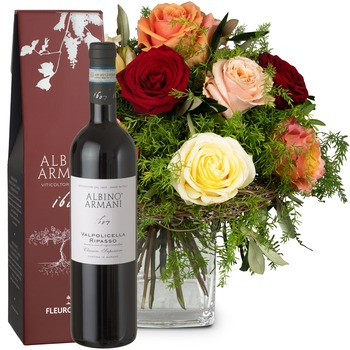 Fairy Tale of Roses with Ripasso Albino Armani DOC (75cl) (Vase not included)